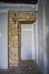 stone detail in bedroom 1